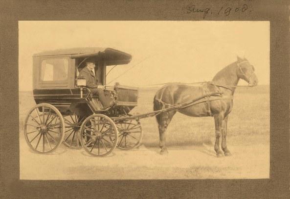 Freerk Bellinga Swalve driving a horse-drawn buggy in 1908.